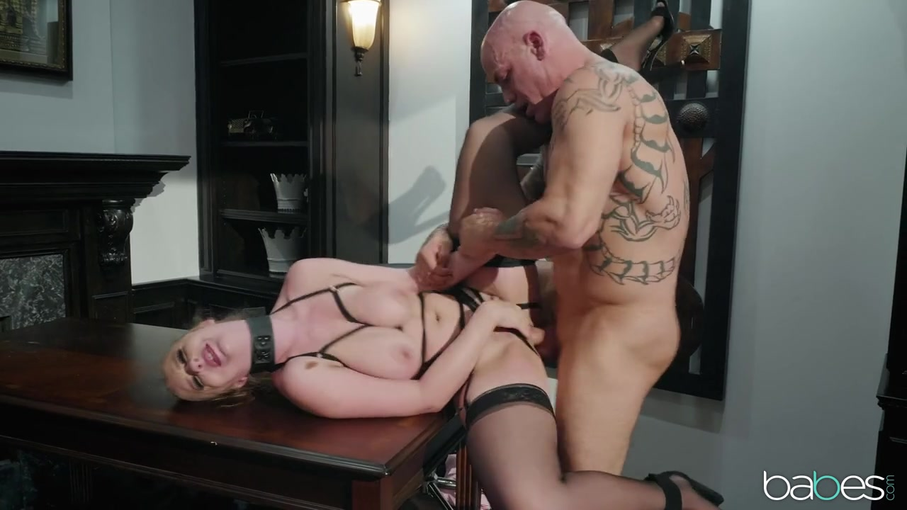 lesbi-porno-lisiy-trahaet-kudryavuyu-foto-klub