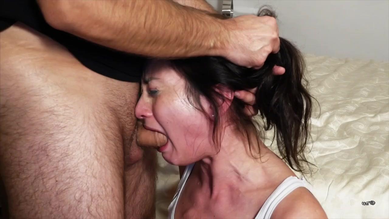 Русской женой, она умеет и в рот и в дырочки