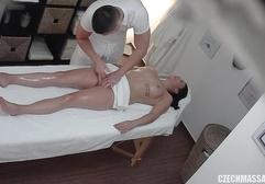 Порно массаж скрытая камера рв