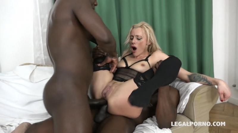 Зрелая дама с двумя порно, сашу грей долбят в попку